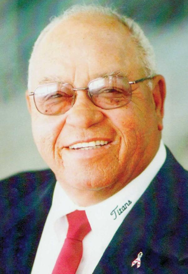 herman boone leadership Coach herman boone,  the titans have an autocratic leadership style coach boone is the one and only person  how to write essay on remember the titans coach boone.