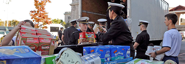 Image for Midshipmen Travel to Wisconsin for Volunteer Trip