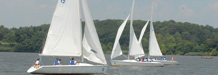 Basic Sail Training (BST) :: USNA Sailing Center :: USNA